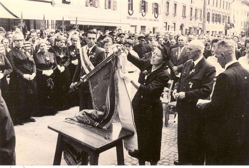 1949 Fahnenweihe des Volksliedchores