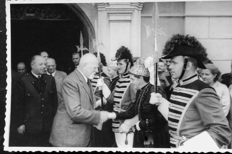 1951-1957 Dr. Theodor Körner Besuch von St. Veit