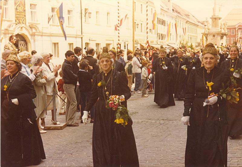 1970-iger Jahre Goldhauben- und Garde-Treffen in St. Veit