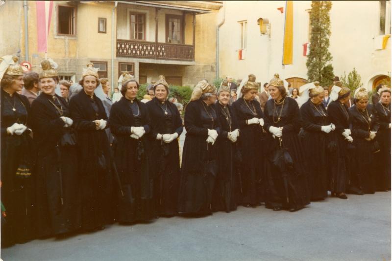 1973-05-27 am Kirchplatz