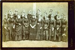 1884 1. Goldhauben Gruppenfoto